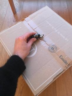 Des boîtes en cartons